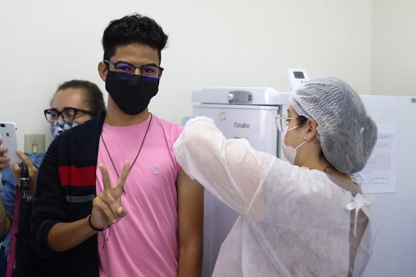 Vacinaçãoos adolescentes de 16 e 17 anos