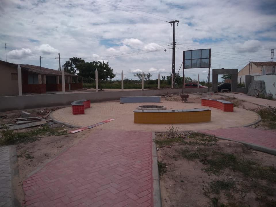 """Escola Municipal Severino Alves Barbosa""."